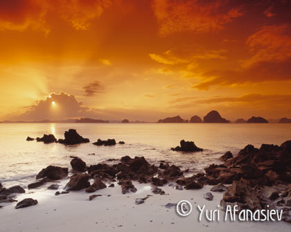Закат в Таиланде. Фотография для календаря. Юрий Афанасьев