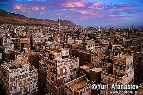 Yemen. Sana'a (Sanaa). Old Town. Shooting architecture. 2010. Photographer Yuri Afanasiev
