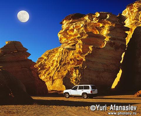 Султанат Оман. Джип сафари - Тойота Ланд крузер (Toyota Land Cruiser), пляж Рас эль-Хадд. Фото Юрия Афанасьева